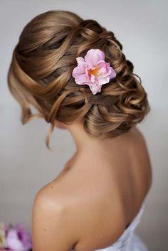 wedding updo hairstyle 3 via yuliya vysotskaya - Deer Pearl Flowers / http://www.deerpearlflowers.com/wedding-hairstyle-inspiration/wedding-updo-hairstyle-3-via-yuliya-vysotskaya/