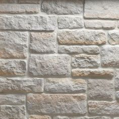 Make your home look an extremely attractive by adding this Veneerstone Austin Stone Gainsboro Flats Handy Pack Manufactured Stone. Minimalist Interior, Minimalist Decor, Minimalist Kitchen, Minimalist Living, Limestone Quarry, Stone Siding, Rock Siding, Decor Scandinavian, Manufactured Stone