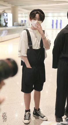 Kids Boys, Cute Boys, My Boys, Boy Idols, Jungkook Fanart, Drama Korea, Boyfriend Material, Aesthetic Clothes, Boss