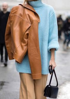 Discover more than 20 camel outfits ideas .- Entdecke mehr als 20 Camel Outfits Ideas – Outfit.GQ Discover more than 20 camel outfits ideas - Blue Sweater Outfit, Light Blue Sweater, Mode Outfits, Fashion Outfits, Womens Fashion, Camel Outfits, Winter Outfits, Camel Pants Outfit, Style Fashion