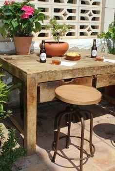 Hoy en el blog nuevo post! Forja, madera y mucha tradición.  www.fustaiferro.com fustaiferro.wordpress.com