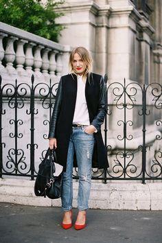 red kitten heels with boyfriend jeans (Vanessa Jackman: Paris Fashion Week AW Looks Street Style, Looks Style, Style Me, Simple Style, Fashion Moda, Uk Fashion, High Fashion, Style Fashion, French Fashion