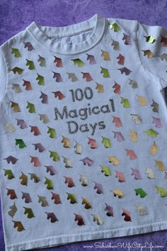 100 Magical Days Shirt for the day of school What do you get when you combine unicorns and the day of school? 100 magical days and this shirt is quick and easy to make! 100th Day Of School Crafts, 100 Day Of School Project, 100 Days Of School, School Projects, School Stuff, Diy Projects, Kindergarten Shirts, Diy Kids Shirts, Shirts For Girls