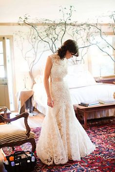 Falling in love with this beautiful lace #wedding dress <3 <3