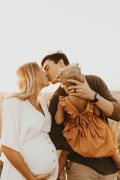 Maternity Session, Maternity Pictures, Pregnancy Photos, Maternity Photography, Family Photography, Photography Poses, Family Picture Outfits, Fall Family Photos, Family Family