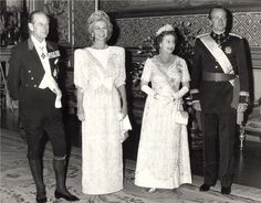 """The four of us are great-grandchildren of Queen Victoria""- Queen Elizabeth II   (Photo: The King and Queen arrive for a State Dinner at Windsor Castle in 1986, hosted by Queen Elizabeth & Prince Philip"