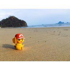 Pikachu lives in Krabi. ไปอกกก #beach #sea #figure #vscocam by maxsutipong