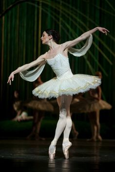 Anna Tsygankova in Don Quixote. Photo by Angela Sterling.