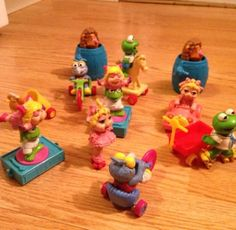 Muppet Baby Figure 17 Piece Lot! Piggy Fozzy Gonzo Accessories