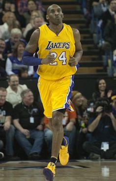 ccb46dcf7ea8  SoleWatch  Kobe Bryant Debuts  Lakers  Nike Kobe 11 Bryant Basketball