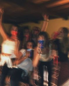 Cute Friend Pictures, Best Friend Pictures, Cute Friends, Best Friends, Drunk Friends, Photographie Indie, Partying Hard, Summer Dream, Best Friend Goals