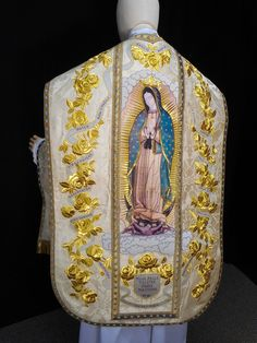 OLG_chasuble_back_SM Spectacular work by ALTARWORTHY