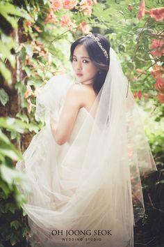 이리나 신부님의 결혼을 진심으로 축하드립니다  Photographed by Oh Joong Seok Wedding Studio  02-569-6030  서울시 강남구 역삼동 614-7 Pre Wedding Photoshoot, Wedding Pics, Photoshoot Ideas, Wedding Dresses, Korean Fashion, One Shoulder Wedding Dress, Style, Marriage Pictures, Bride Gowns
