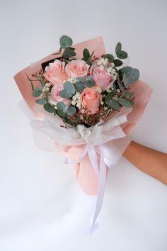 8支大玫瑰花束 • 韩式花束 • 大粉色玫瑰 8 Roses Bouquet 👉🏼 Rm 130 • Free Cocotina Gift Card : Write Message 👉🏼 #玫瑰花束 #8朵玫瑰花束 #手花 #龙藤心形花束 #心形玫瑰花束 #满天星花束 #节日爆款花束 #Rosebouquet #韩式花束 #新款花束 #特别花束 #大体花束 #Pandamart #Foodpanda #Pandashop #johorflorist #floristjohor #jbflorist #flowerstagram #flowerbouquet #koreastylebouquet #handbouquet #花店 #新山花店 #florist #小天使花店 #小天使花屋 🌾 instagram@angelfloristgiftcentre ✉️ angelfloristgiftcentre@hotmail.com 🕊 www.wasap.my/60106608200