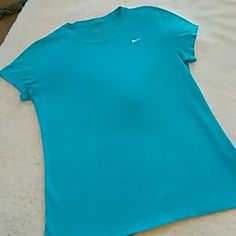 Nike Drifit Top Sz L Nike DriFit Top Sz L...super pretty aqua blue tee...very comfy and lightweight Nike Tops Tees - Short Sleeve