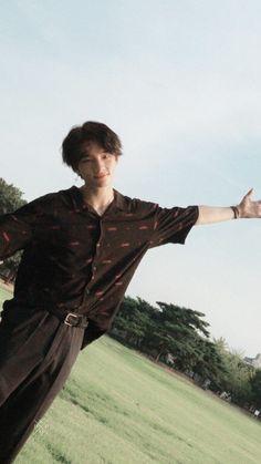 Hyunjin has a look of an angel im shooketh Lee Min Ho, K Pop, Pretty Boys, Cute Boys, Kids Wallpaper, Jolie Photo, Got7 Jackson, Handsome Boys, Boyfriend Material