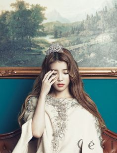A different look of IU. Diamonds and Gold: recent favorite photoshoots in Korean magazines Part 2 Korean Model, Korean Singer, Kpop Girl Groups, Kpop Girls, Korean Beauty, Asian Beauty, Marie Claire, Korean Actresses, Korean Celebrities