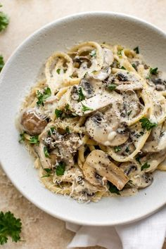 This creamy mushroom pasta recipe has plenty. This creamy mushroom pasta recipe has plenty of garlic white wine butter lemon juice and cremini mushrooms. A delicious vegetarian entree thats perfect for dinner parties. Creamy Mushrooms, Stuffed Mushrooms, Pasta With Mushrooms, White Mushrooms, Roasted Mushrooms, Garlic Mushrooms, Easy Appetizer Recipes, Healthy Recipes, Juice Recipes
