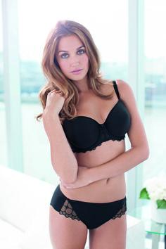 Vanaf nu verkrijgbaar, Fantasie Eclypse. Voorgevormde bh in zwart met kant.  www.lingerie-athome.nl #mode #fashion #lingerie #bh #bra