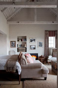 After a disastrous fire, this Dullstroom farmhouse was lovingly rebuilt and redecorated. View our image gallery of the house here. Home Bedroom, Bedroom Decor, Bedroom Ideas, Country Style Homes, Dream Decor, Guest Bedrooms, Beautiful Bedrooms, Decor Styles, Sweet Home