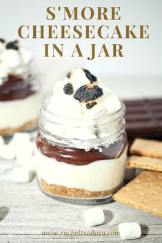 No bake s'mores cheesecake served in mason jars make the perfect individual dessert recipe you can serve to friends and family. Homemade Desserts, No Bake Desserts, Easy Desserts, Delicious Desserts, Dessert Recipes, Yummy Food, Parfait Recipes, Cold Desserts, Sweet Desserts