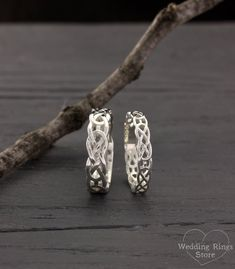 Celtic His and Her wedding rings, Celtic bands set, Couple silver rings, Silver wedding bands, Rings his and her, Matching bands by WeddingRingsStore on Etsy https://www.etsy.com/listing/574422555/celtic-his-and-her-wedding-rings-celtic