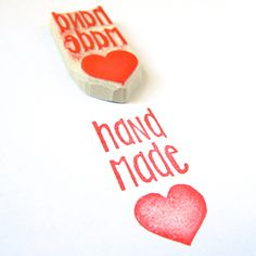 Would love a stamp or sticker to put on our paper bags like this Handmade Stamps, Handmade Crafts, Stamp Printing, Printing On Fabric, Diy Crafts To Do, Paper Crafts, Stamp Carving, Custom Rubber Stamps, Fabric Stamping