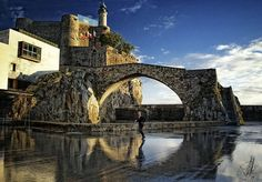 Castro Urdiales.  Puente Romano y Castilo del Faro