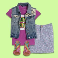 😎 KIDPIK COOL! 😎 It's all about the perfect combination! Great graphics, amazing prints, and of course Super Stylin Shoes!!!!! Our stylists can't wait to put together your Kidpik box!  ❤Love, Kidpik