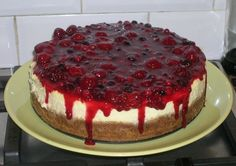 Cheesecake with mixt berries topping - delish! Cookie Desserts, Sweet Desserts, Cicely Mary Barker, Cheesecakes, Cake Cookies, Fudge, Delish, Good Food, Food And Drink