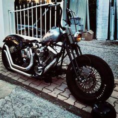 Harley Davidson News – Harley Davidson Bike Pics Harley Davidson Pictures, Harley Davidson Trike, Harley Bobber, Bobber Motorcycle, Bobber Chopper, Davidson Bike, Triumph Motorcycles, American Motorcycles, Scooters