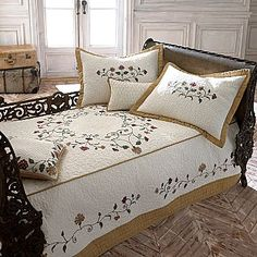 Daybed Cover Daybed Room, Daybed Covers, Bed Styling, Bed & Bath, Comforters, Sewing Projects, Sweet Home, Blanket, Bedroom