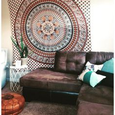 Bohemians are the people who live their lives with the uniqueness and the style. The creativity and designing of homes is the symbol that helps the boho-styled… Bohemian Tapestry, Boho Gypsy, Bohemian Decor, Hippie Boho, Boho Chic, Boho Style, Boho Wall Hanging, Boho Room, Boho Fashion