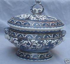 Estrela de Conimbriga Portugal Pottery - Lidded Dish w Handpainted Blue Scenes
