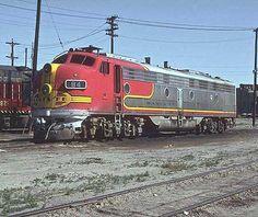 F9P Santa Fe Super Chief Warbonnet paint