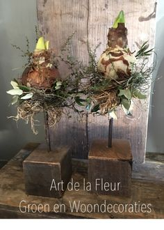 In this DIY tutorial, we will show you how to make Christmas decorations for your home. The video consists of 23 Christmas craft ideas. Christmas Time, Christmas Wreaths, Christmas Crafts, Christmas Decorations, Xmas, Holiday Decor, Deco Floral, Arte Floral, Deco Noel Nature