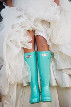 Turquoise Hunter Boots for a Wedding Photo! #wedding #bride #boots #turquoise #unique