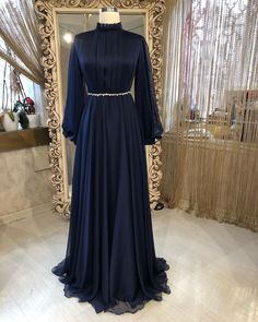 Discover recipes, home ideas, style inspiration and other ideas to try. Hijab Prom Dress, Hijab Evening Dress, Muslim Dress, Prom Dresses, Dress Brokat Muslim, Muslim Evening Dresses, Muslim Hijab, Muslim Fashion, Modest Fashion