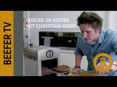 Beefer-TV: Burger Rezept mit Christian Senff (Beefer One Pro) - YouTube 800 Grad Grill, Grilling, Bbq, Youtube, Hamburgers, Grilling Burgers, Easy Meals, Essen, Barbecue