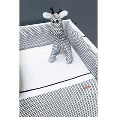 La couverture bébé Sun Teddy de la marque Baby's Only ultra douce et moelleuse, pourra être utilisée aussi bien dans le lit, sur le canapé, qu'en promenade en poussette.