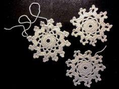 VMSomⒶ KOPPA: virkattu LUMIHIUTALE - ohje Crochet Winter, Knit Crochet, Crochet Things, Crochet Snowflakes, Crochet For Beginners, Bunt, Crochet Earrings, Crochet Patterns, Diy Crafts