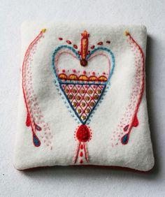 By lina holm, ä i a gart swedish embroidery, wool embroidery, hand embroide Scandinavian Embroidery, Swedish Embroidery, Wool Embroidery, Cross Stitch Embroidery, Embroidery Patterns, Folklore, Fabric Art, Textile Art, Needlework