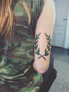 Laurel tattoo, the same but in B&W Elbow Tattoos, Cool Arm Tattoos, Line Tattoos, Body Art Tattoos, Tattoos For Guys, Laurel Tattoo, Laurel Wreath Tattoo, Bicep Tattoo, Leg Tattoo Men