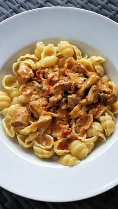 Spatzle, Soul Food, Pasta Salad, Chicken Recipes, Food Porn, Food And Drink, Yummy Food, Lunch, Baking