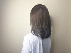 Beige ash brown add on highlights ********** CLEO hair international call here 63385250 for book appointment Hair done by Ash Brown Hair With Highlights, Dark Ash Brown Hair, Brown Hair Balayage, Hair Styles 2016, Short Hair Styles, Color Castaño, Lob Hairstyle, Hairstyles, Medium Long Hair