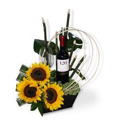 Arte Floral, Flower Arrangements, Valentines Day, Tropical, Flowers, Happiness, Nature, Floral Bouquets, Floral Design