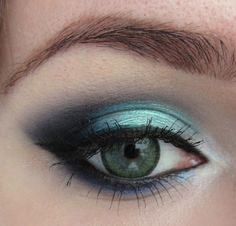 Increíble tendencia en maquillaje   Ojos color verde a la moda