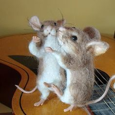 2 dancing mice! Needle Felted Art ... Robin Joy Andreae.  I soo love these mice..want me some.