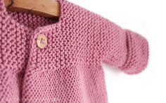Knitted baby cardigan pink lady -two needle knitting pattern & tutorial. Baby Cardigan Knitting Pattern Free, Baby Sweater Patterns, Knitted Baby Cardigan, Knit Baby Sweaters, Baby Pullover, Knitted Baby Clothes, Baby Knitting Patterns, Knit Baby Dress, Knitting Stitches