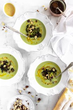 This easy and delicious recipe for CREAMY BROCCOLI SOUP is the ultimate comfort food for winter.   mylovelylittlelunchbox.com #soup #fall #broccoli #comfortfood #mylovelylittlelunchbox Creamy Broccoli Soup Recipe, Broccoli Soup Recipes, Pumpkin Mac And Cheese, Whole Food Recipes, Healthy Recipes, Little Lunch, Sweet Potato Soup, Chicken Thigh Recipes, Bowl Of Soup